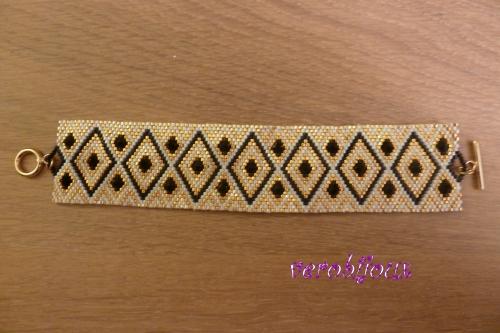 Bracelet manchette Vue 1.JPG
