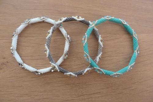 Bracelets Pucca.JPG