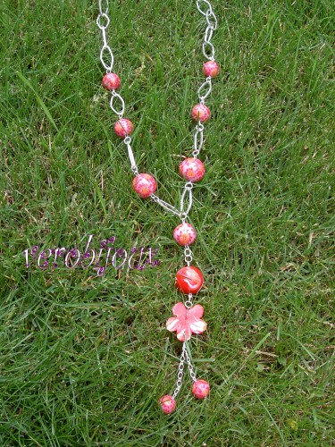 sautoir fleurs rose fimo vue 2.JPG